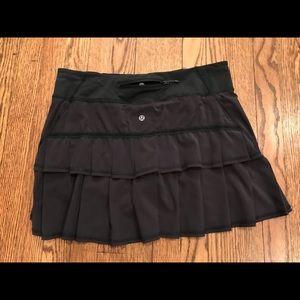 Lululemon Black Pacesetter skirt 8 Tall